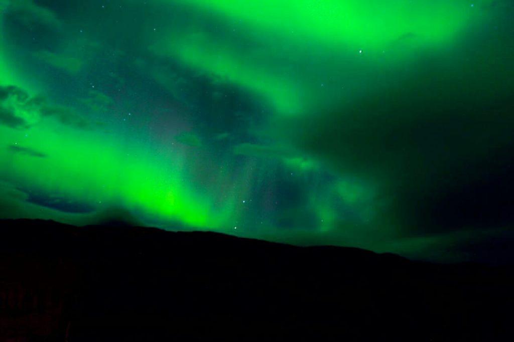 ظاهرة الشفثق القطبي في ظلام الطريق الدامس